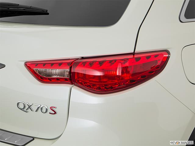 2017 INFINITI QX70