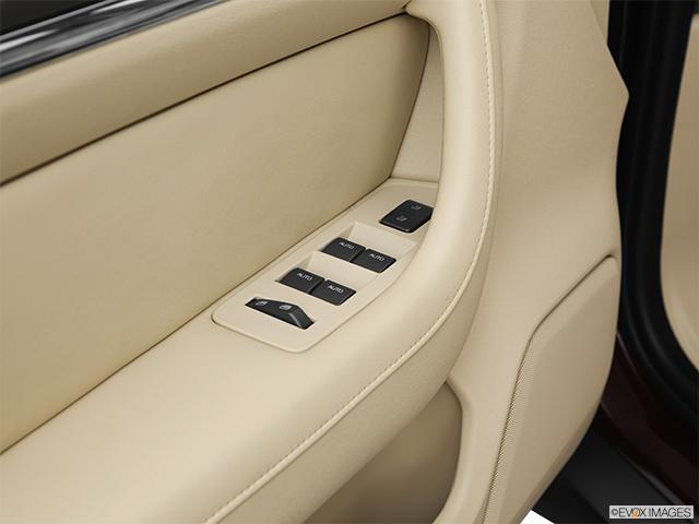 2011 Lincoln MKS
