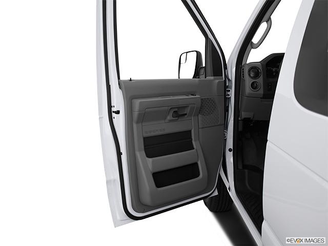 2014 Ford Econoline Wagon