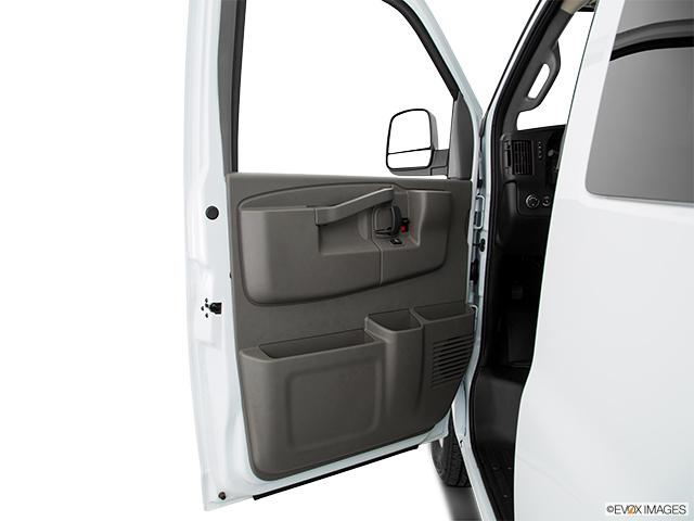 2020 Chevrolet Express Passenger