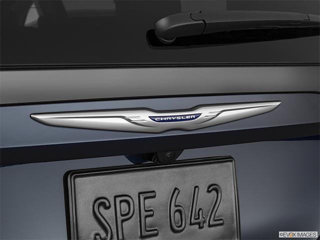 2020 Chrysler Voyager
